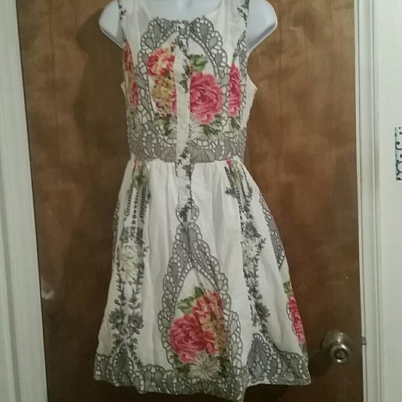 151a69cfa15e Comme Toi Dresses   Lace And Flowers Dress   Poshmark
